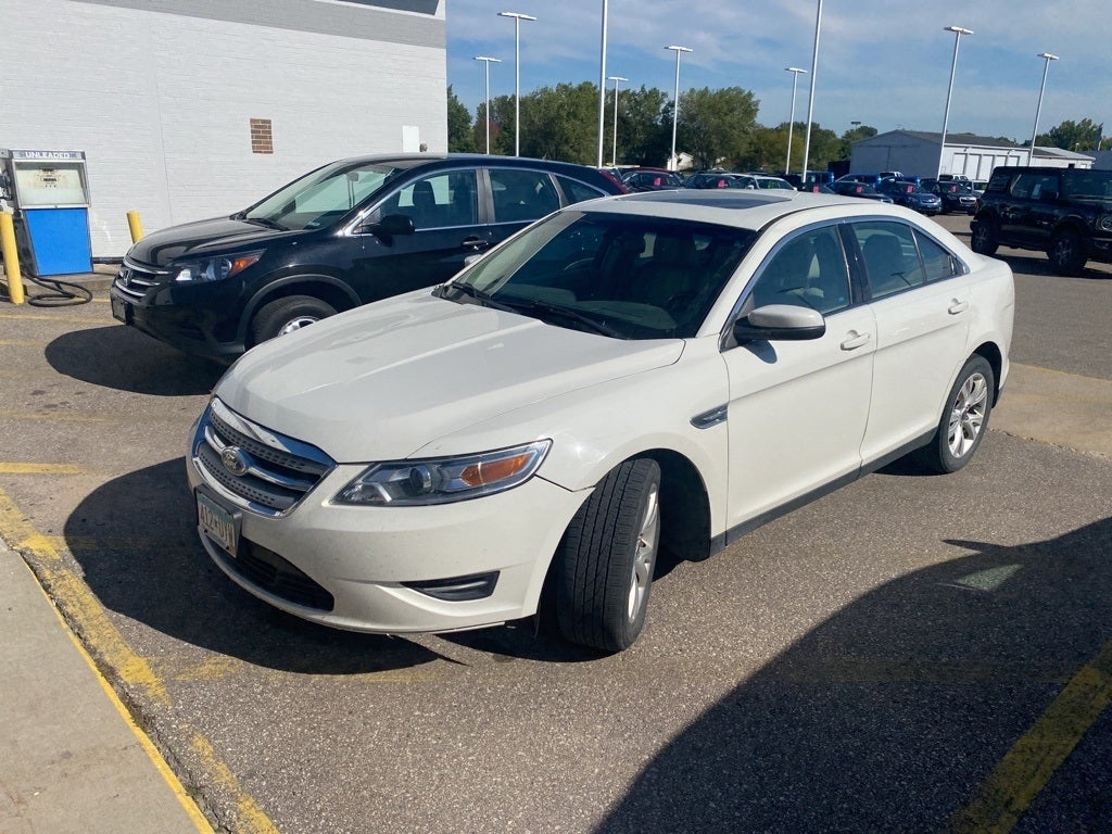Used 2012 Ford Taurus SEL with VIN 1FAHP2HW6CG139778 for sale in Rochester, Minnesota