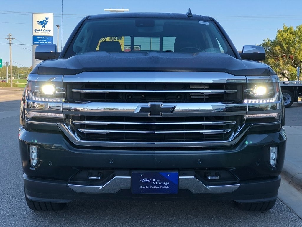 Used 2018 Chevrolet Silverado 1500 High Country with VIN 3GCUKTEC1JG521712 for sale in Rochester, Minnesota