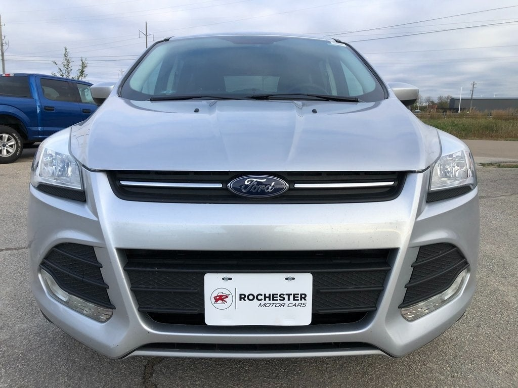 Used 2016 Ford Escape SE with VIN 1FMCU9GX0GUB12532 for sale in Rochester, Minnesota