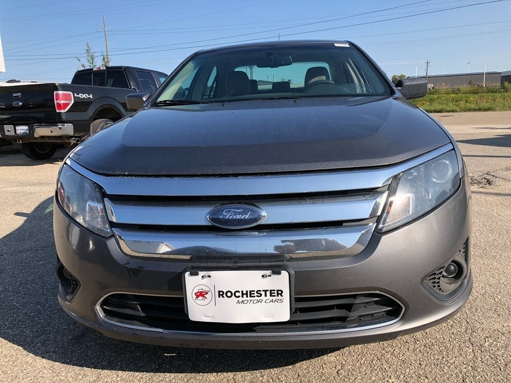 Used 2010 Ford Fusion SE with VIN 3FAHP0HA1AR246459 for sale in Rochester, Minnesota